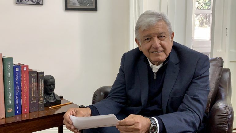 Hasta Obrador recibe los beneficios otorgados en estas fiestas decembrinas