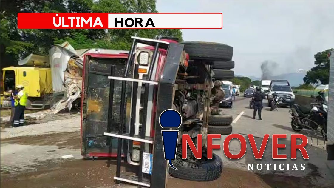 Accidente múltiple en la pista; Tránsito bloqueado.