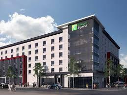 El Holiday Inn Express Hotel, Toronto, Canadá necesita los servicios de unos limpiadores, cocineros, camareros/camarera, recepcionista, guardia de seguridad, conductores, jardineros, comerciantes, Barman y Barista para trabajar y vivir en nuestro hotel en Canadá.  Un mínimo de 18 años de edad