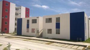 bonitas casas a 10 minutos del centro de Pachuca nuestro nuevo prototipo en casas duplex,el desarrollo cuenta con todos los servicios como transporte,escuelas,plazas comerciales,parques,areas deportivas etc. Las casas constan de sala,comedor,cocina,2 recamaras,baño completo y cubo de servicio.... planta baja con patio trasero