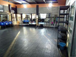SE RENTAN DOS PISOS COMERCIALES   Se rentan dos pisos comerciales en la zona de Chiconcuac a una cuadra de la presidencia nueva de Chiconcuac. Se rentan dos pisos comerciales ideales para un gimnasio o una academia de baile o bien