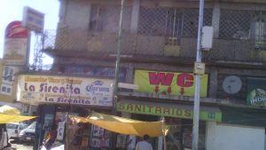 local comercial con tapanco, bien ubicado a 2 calles del mercado de la merced,  a 2 calles de anillo de circunvalcion, a 1 calle de corredor corregidora y a 2 calles del metro de candelaria. es local comercial giro que
