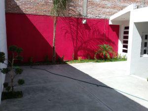 Saludos   vendo  casa   nueva   2 rec. Sala comedor   cocina con  barra   patio de servicio  patyo para  un  auto   133mts2