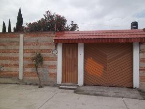 Remato hermosa propiedad en Acolman, Estado de México, San Mateo Chipiltepec. C P 55890 A 5 km, del Ex Convento de Acolman, a 18 km de las Pirámides de Teotihuacán, a 30 km del Nuevo Aeropuerto. Terreno de 300 m2