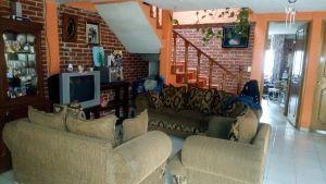 Hermosa casa familiar, 4 recamaras, 2 jardines, 3 baños