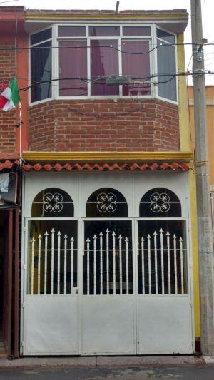 CASA EN VENTA EN SAN VICENTE CHICOLOAPAN CONSTA DE 4 RECAMARAS, SALA, COCINA, COMEDOR, AREA DE LAVADO, ESTACIONAMIENTO.   ENTRA EN CREDITO FOVISTE E INFONAVIT.  COMUNÍCATE A LOS TELÉFONOS PARA MAYOR INFORME   CELULAR: 5528303103 WHATSAPP: 554218208 TELEFONO: 595 95 5 36 57 DESPUES DE