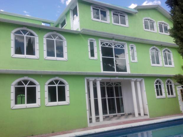 Se venden tres casas en texcoco informes al tel. 595 11 26 474 595 93 10 687