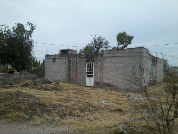 SE VENDE CASA EN OBRA NEGRA EN LA COMUNIDAD DE SANTO DOMINGO AZTECAMECA CUENTA CON TODOS LOS SERVICIOS CON 100 CIEN METROS DE CONSTRUCCIÓN SUPERFICIE TOTAL 400 CUATRO CIENTOS METROS CUADRADOS CUENTA CON ESCRITURA PUBLICA INTERESADOS COMUNICARSE CON EL LIC.
