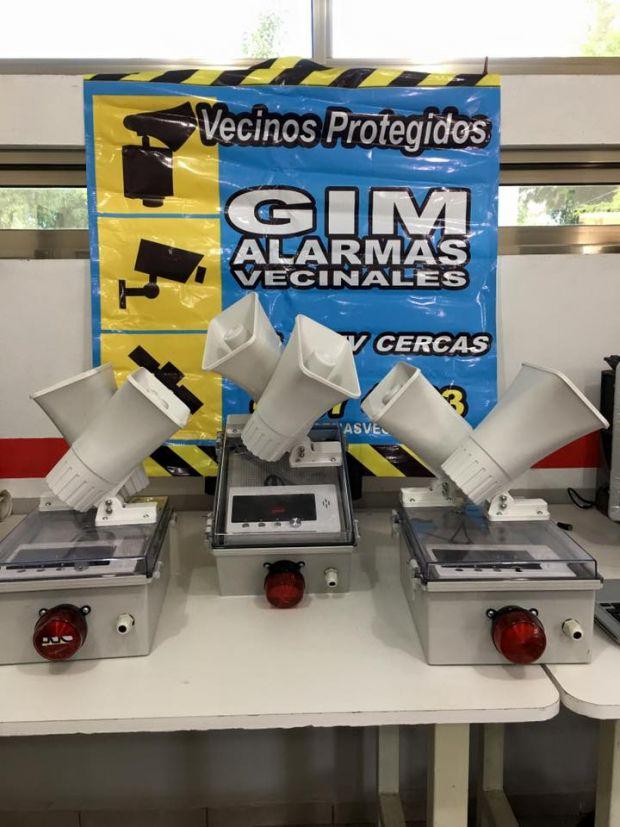 Somos GIM Alarmas vecinales, Vendemos e instalamos alarmas vecinales también contamos con cámaras de seguridad Urbana, entre otros.  llama a tel: 01591 91 72080 o visita nuestra pagina www.integralti.com