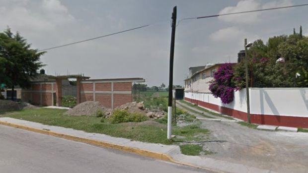 Vendo terreno de 500 metros cuadrados ubicado en San Bernardino, Texcoco Estado de México. A $1600 metro cuadrado a tratar. A 5 minutos de la autopista Peñón-Texcoco. Opción de venta 200 o 300 metros.