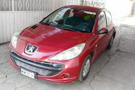 Peugeot 2009  Factura original todo pagado verificaciones al corriente vestiduras en excelente estado no rotas ni rasgada llantas mas de media vida rines de aluminio totalmente eléctrico 2 juegos de llaves controles de audio al volante excelente manejo transmisión estándar de