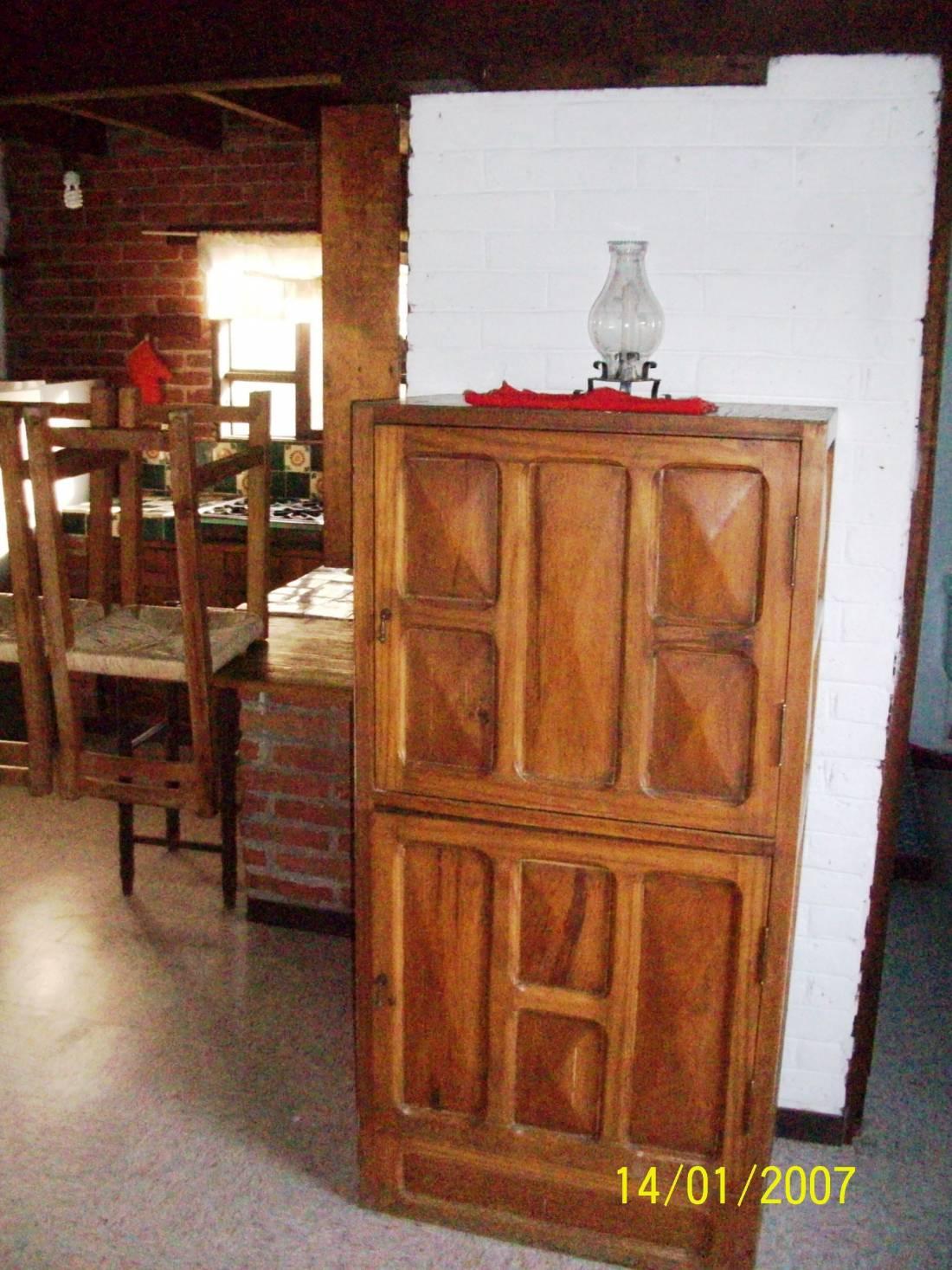 Se renta amplia casa de 4 habitaciones 4 ba os dividida for Anuncios de renta de cuartos
