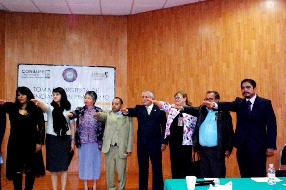 Formalmente ingresaron al Colegio Nacional de Licenciados en Periodismo (CONALIPE).