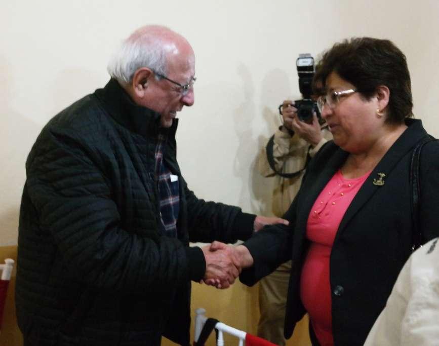 LIC TEODORO RENTERIA AGRADECE LA ANFITRIONIA DE LA PRESIDENTA MUNICIPAL DE CHIMALHUACAN ING. ROSALBA PINEDA RAMIREZ