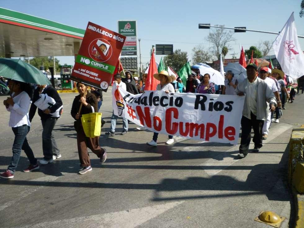 Marcha Antorchista en demanda de cumplimiento de acuerdos firmados