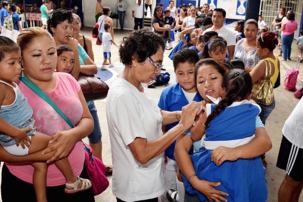 Comienzan campaña para prevenir influenza en escuelas del puerto