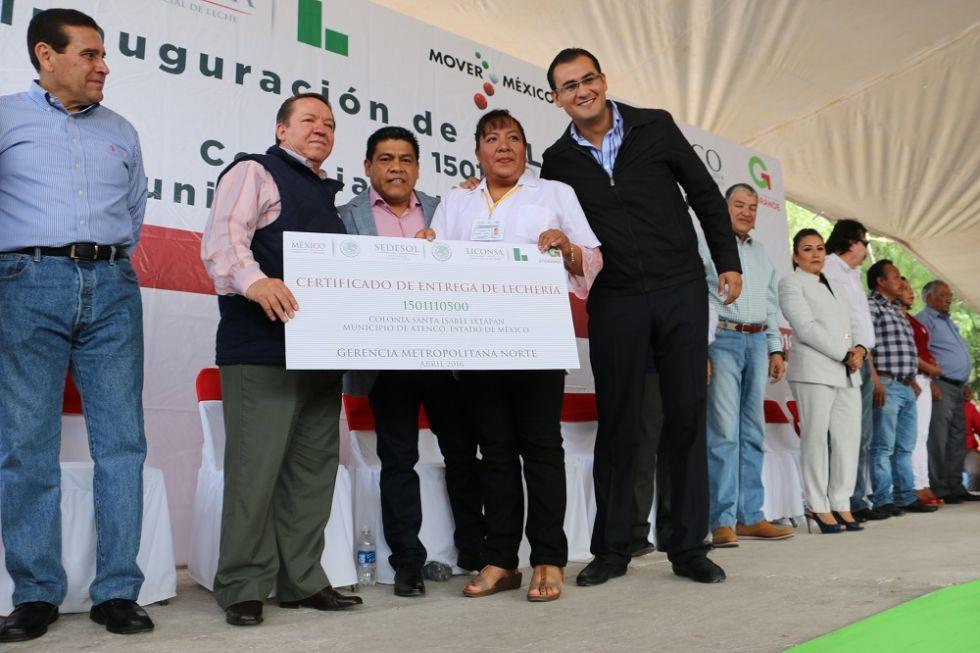Inaugura Andrés Ruiz Mendez lechería en la comunidad de Santa Isabel Ixtapan