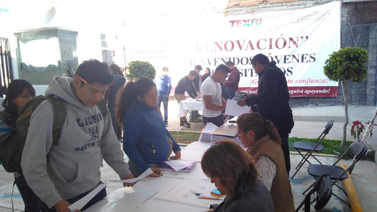 Más de dos mil 600 universitarios reciben apoyos para pasajes en Texcoco