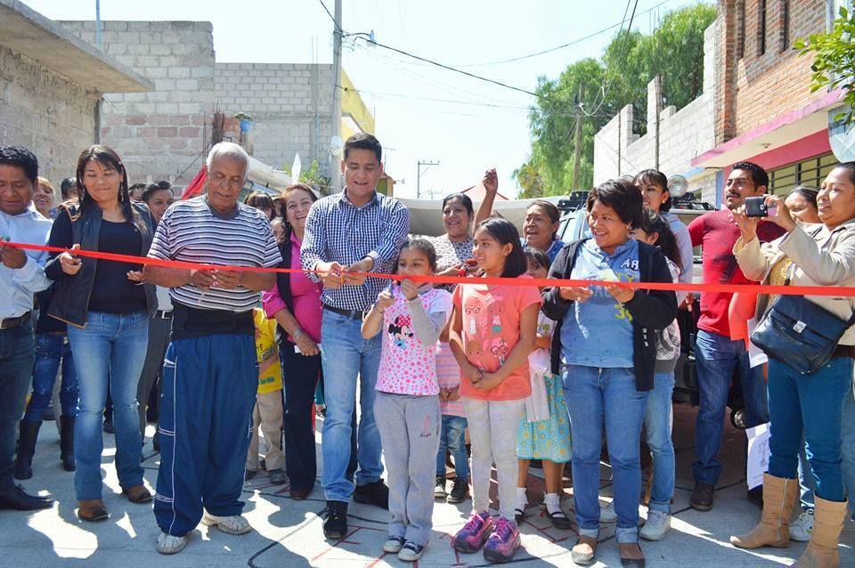 """Inauguran pavimentación en 'Cambio 2000"""", en Tecámac"""