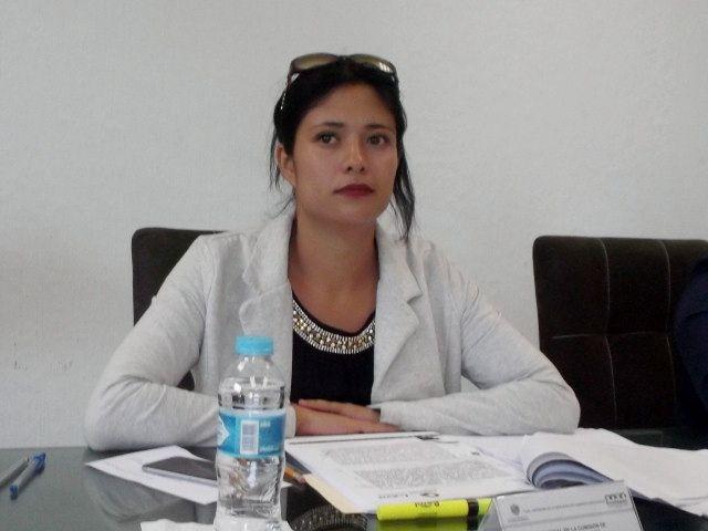 La regidora Fernanda de la Rosa trabaja de forma institucional con la sociedad ecatepense