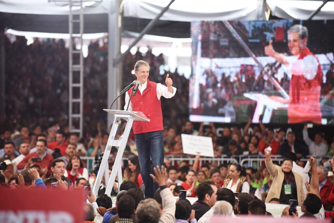 """Alfredo del Mazo envía mensaje a candidata de Morena, """" en el Estado de México ni oportunistas ni populistas"""""""
