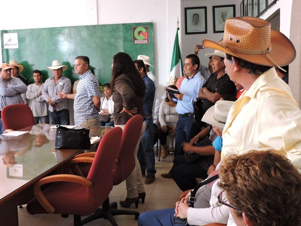 Edil de Malinalco se compromete con Antorcha a realizar una obra por comunidad