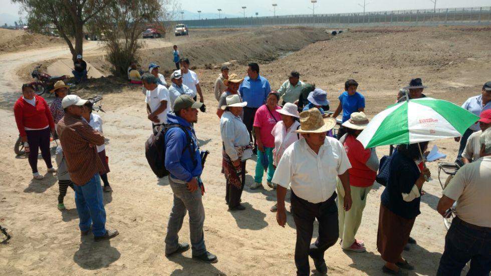 Grupo de choque desaloja y corre a balazos a ejidatarios en Texcoco