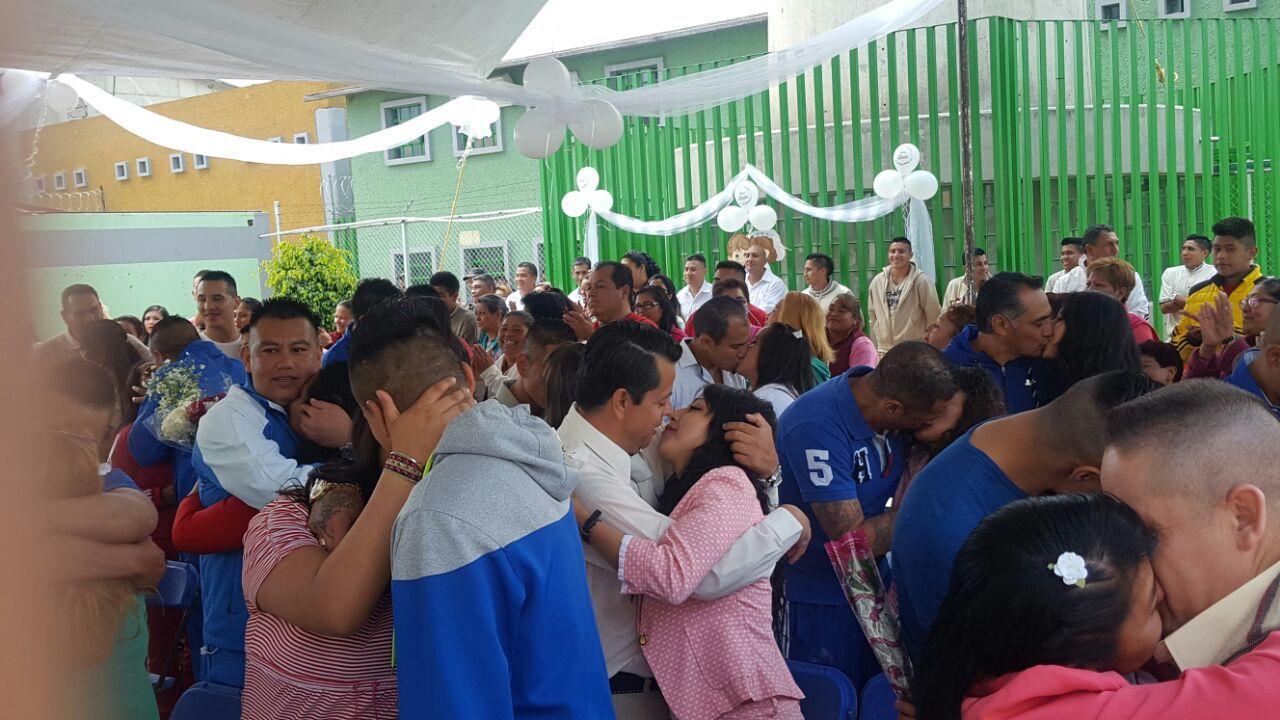 Se casan internos del penal de Chalco Edomex