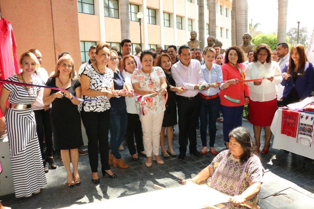 Inauguran en el Congreso Segunda Expo-Venta Artesanal 'Esto es Guerrero, Arte y Cultura'