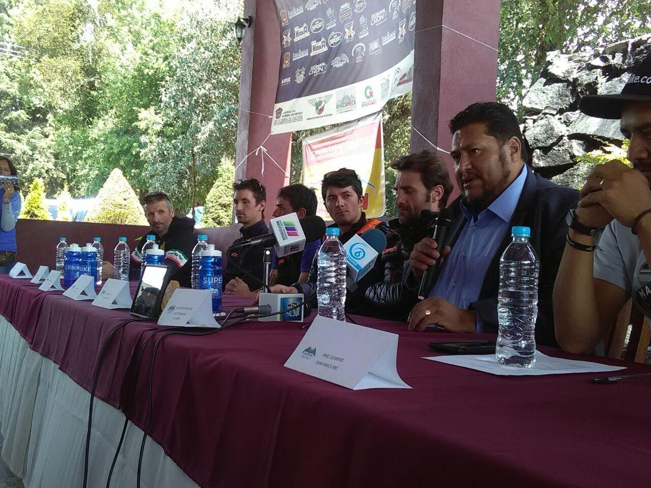 Ciclistas internacionales en la carrera de alta montaña en Amecameca este domingo: Álvaro Carlos Avelar