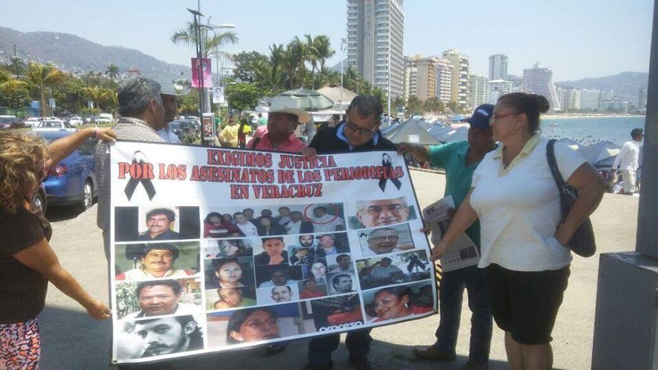 Repudian periodistas asesinato de reportero en Veracruz