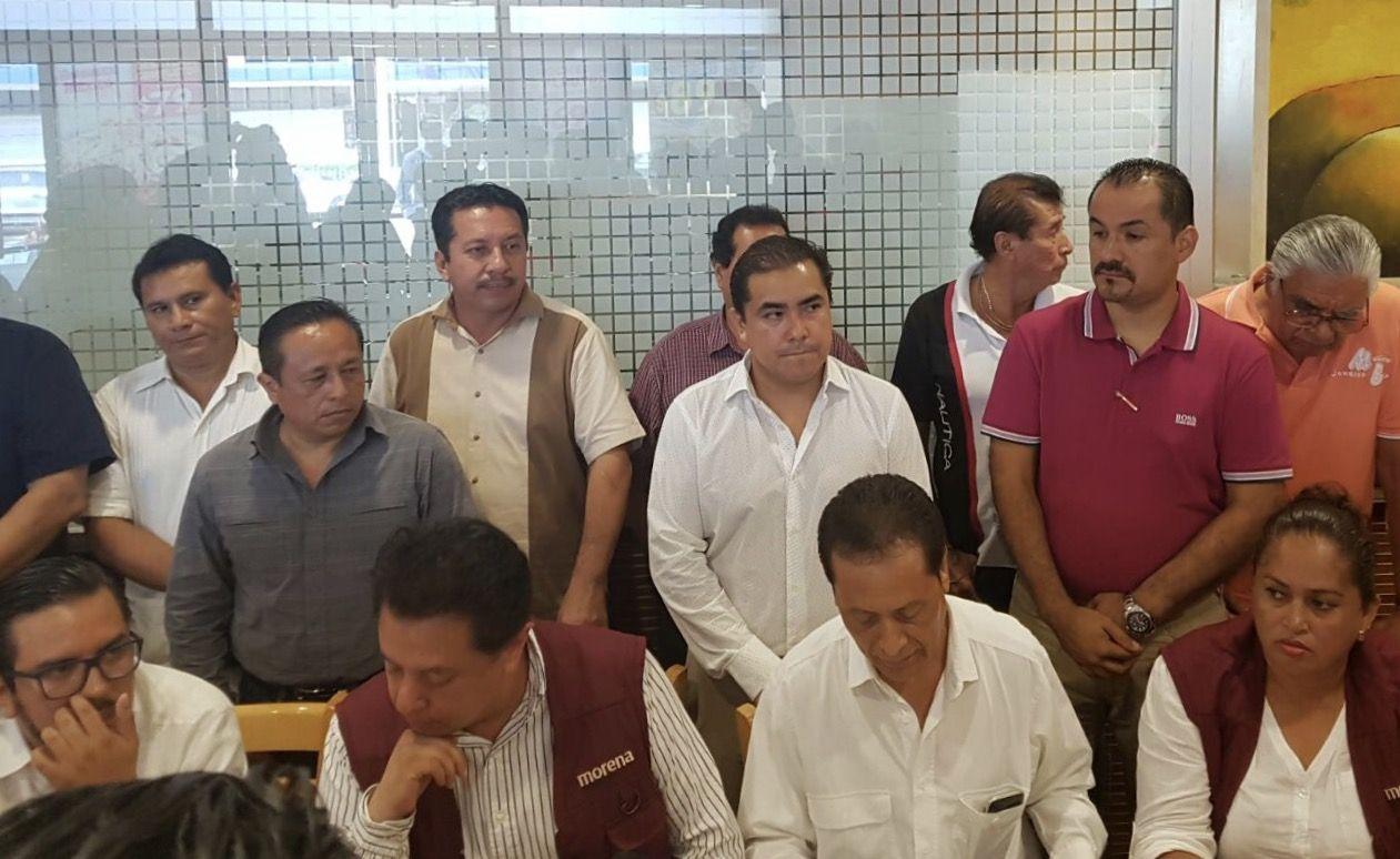 Abandonan consejeros del PRD las filas del partido; se van a Morena