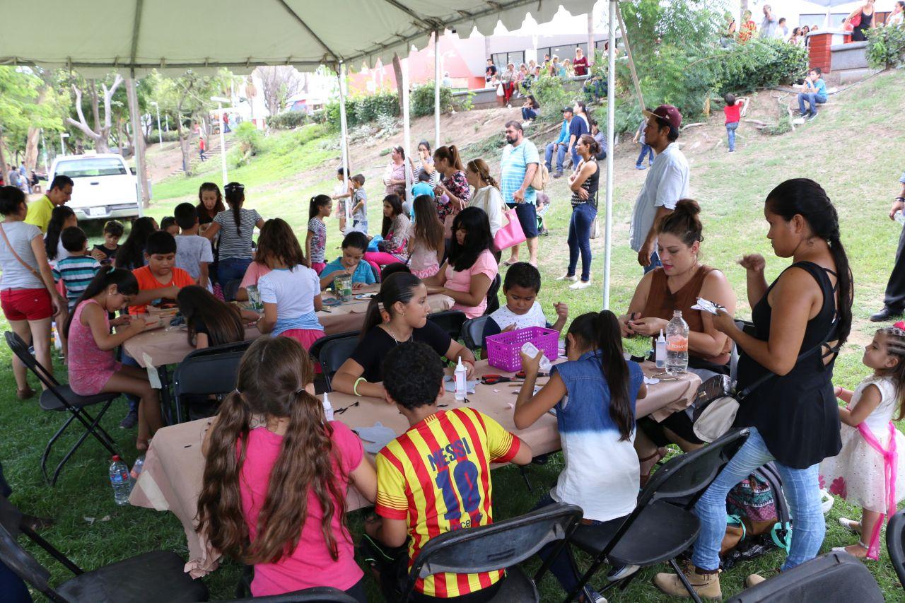 Exitosa edición de la Feria Ambulante de las Artes, en Parque Las Riberas