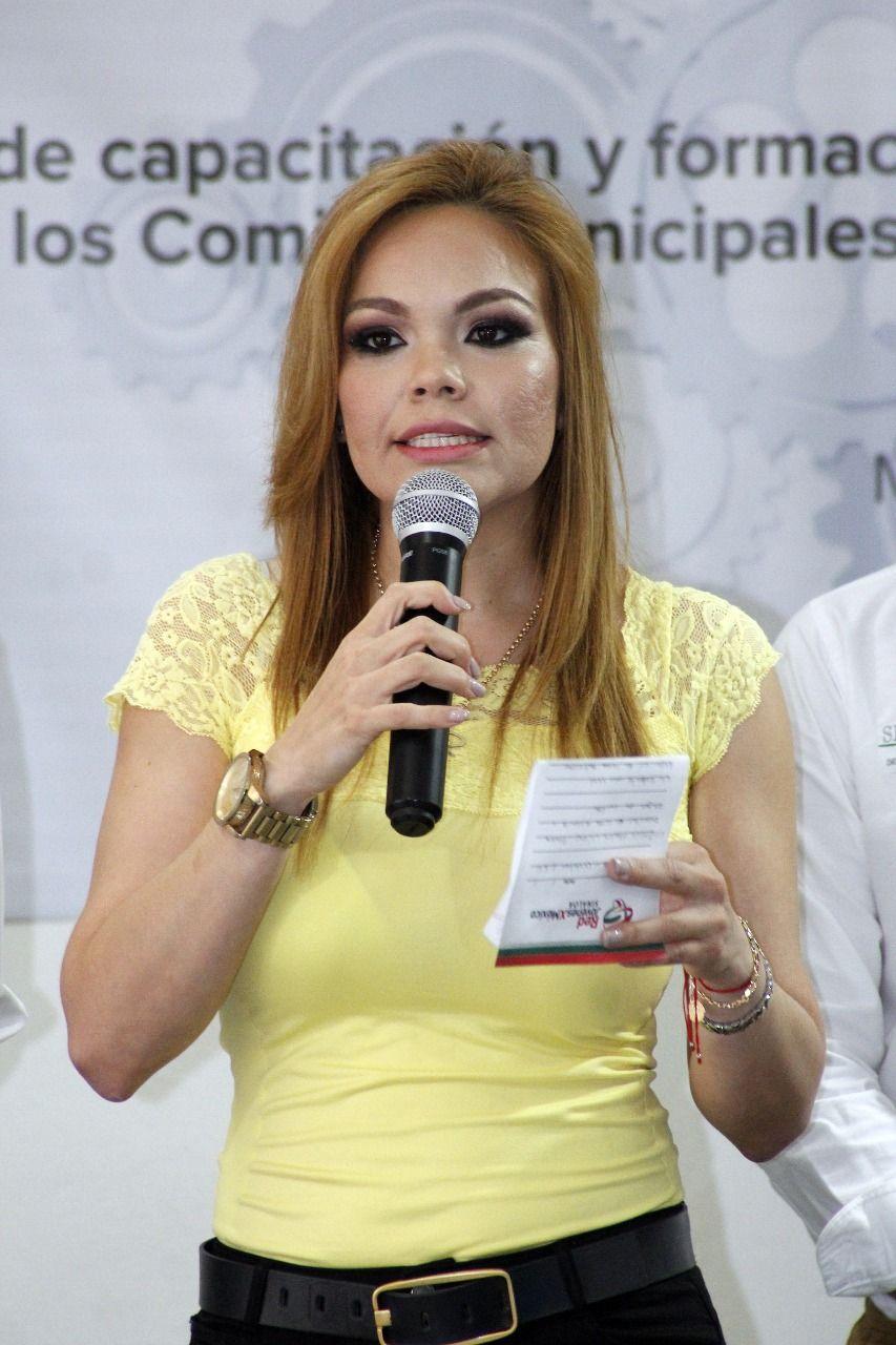 ICADEP CAPACITA A JÓVENES ASPIRANTES A DIRIGIR LA RED JÓVENES POR MÉXICO EN LOS MUNICIPIOS