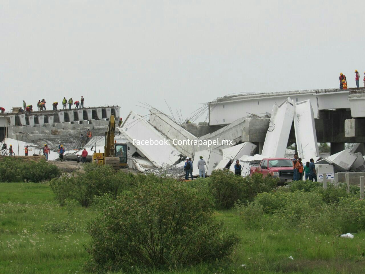 Sismo derrumba puente de autopista que conectará con aeropuerto en Texcoco