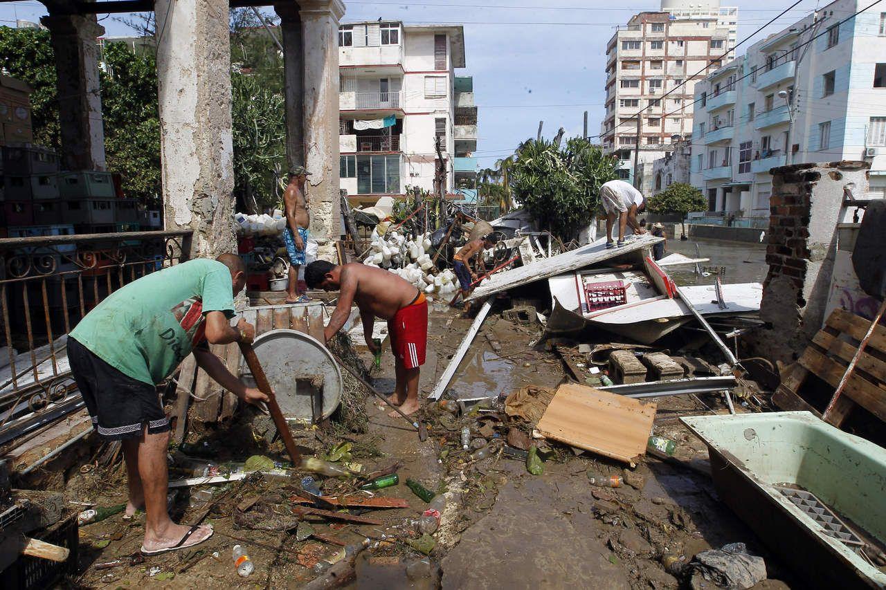 'Irma' deja saldo de 10 muertos en Cuba