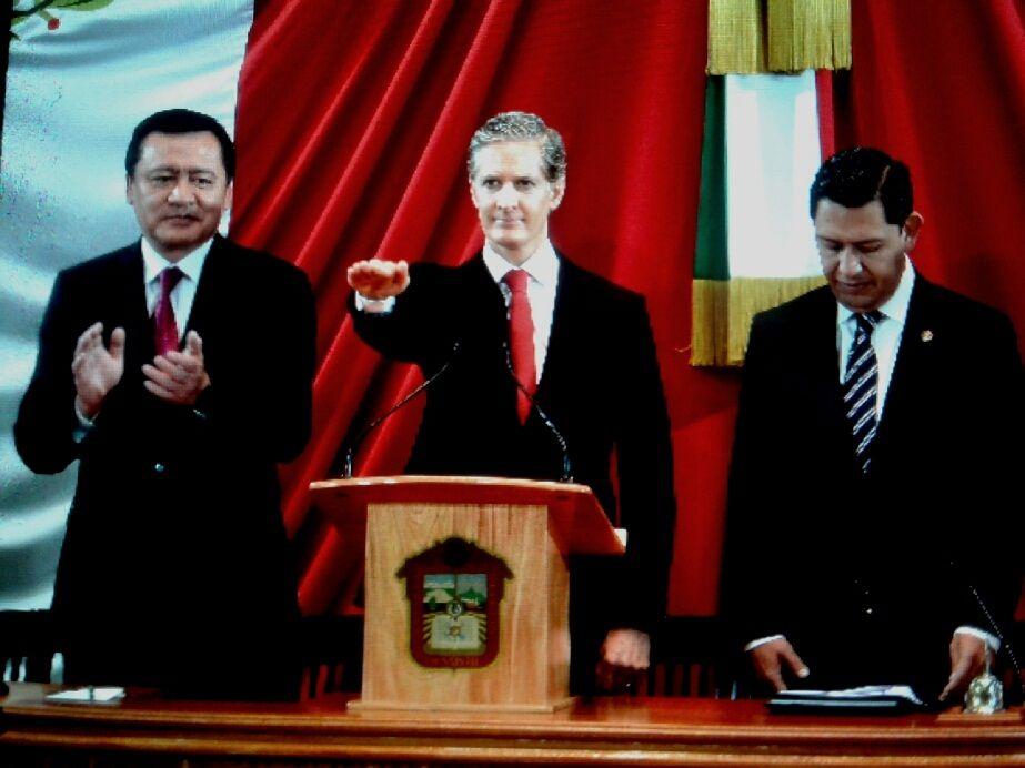 Rinde protesta  Alfredo  del Mazo Maza como gobernador del Estado de México