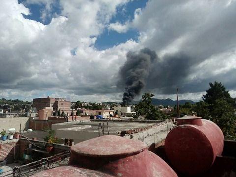 Pipa con químicos explota en Tultepec y Melchor Ocampo