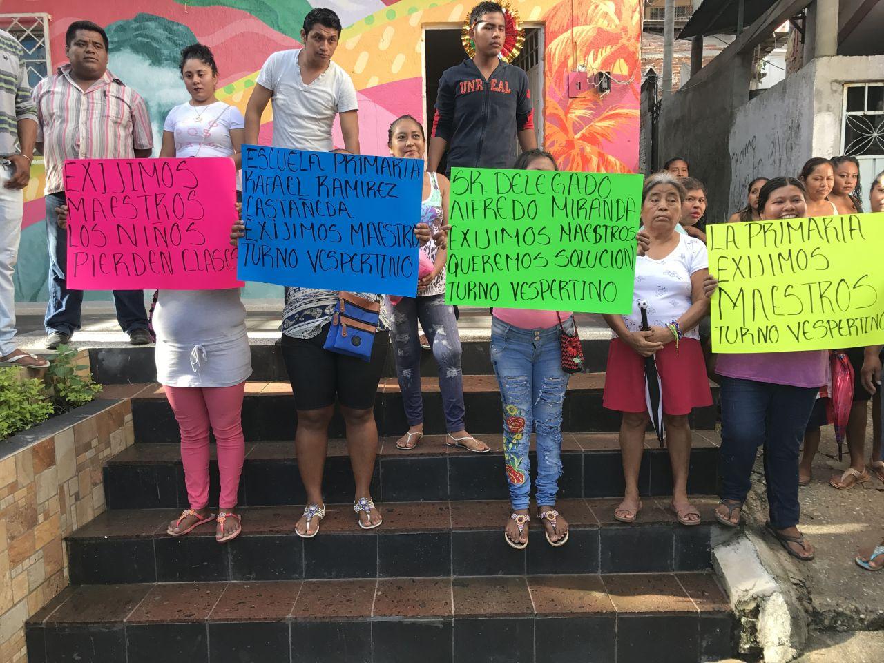 Más protestas contra el gobierno de Guerrero; paterfamilias de 8 escuelas piden maestros en Acapulco