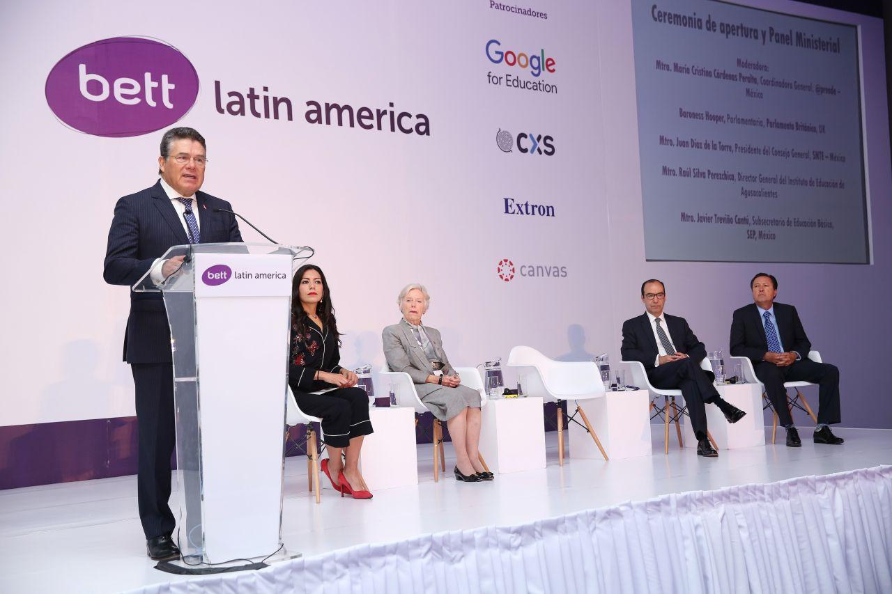 El SNTE participa en la 5ª. Edición cumbre de líderes mundiales de la innovación tecnológica educativa