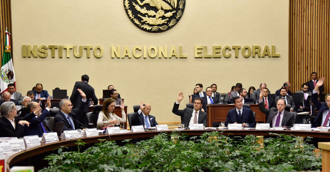 INE permitirá a aspirantes independientes recabar firmas en papel.
