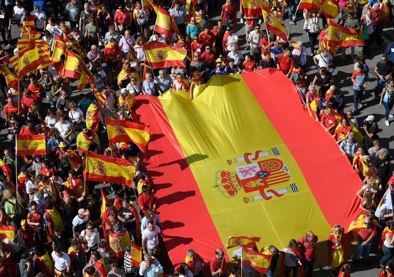 Tribunal de España anula declaración de independencia de Cataluña