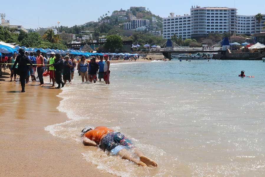 Balacera en playa Caletilla de Acapulco deja un muerto