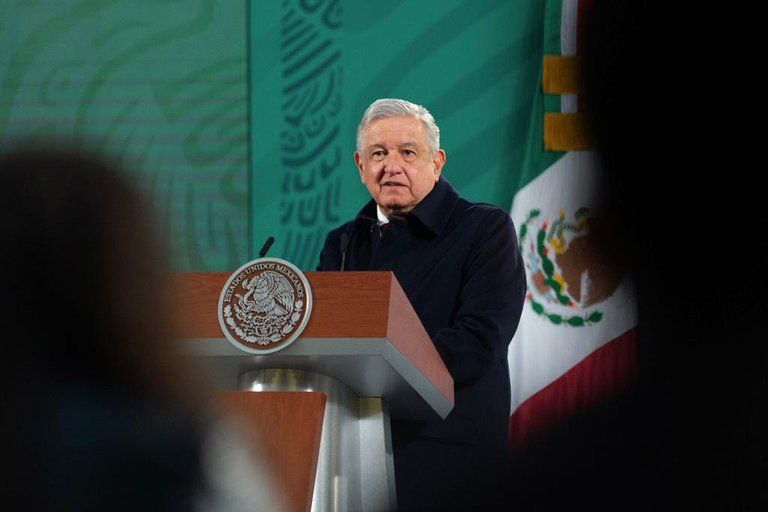 Presentan contratos de penales privados ligados con García Luna
